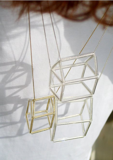 jeannette jansen jewellery,hausnr necklaces, housenr necklaces,glass and silver, gold, glass